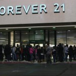 Shoppers rushed to the Victor Valley Mall. Photo By Nikki Garrett Metzger/High Desert Daily.