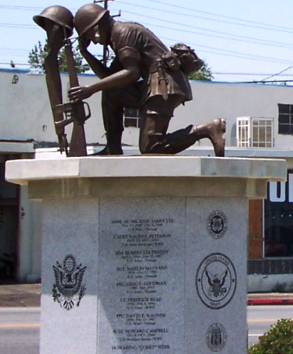 Veteran's Memorial at 7th St. & Forest