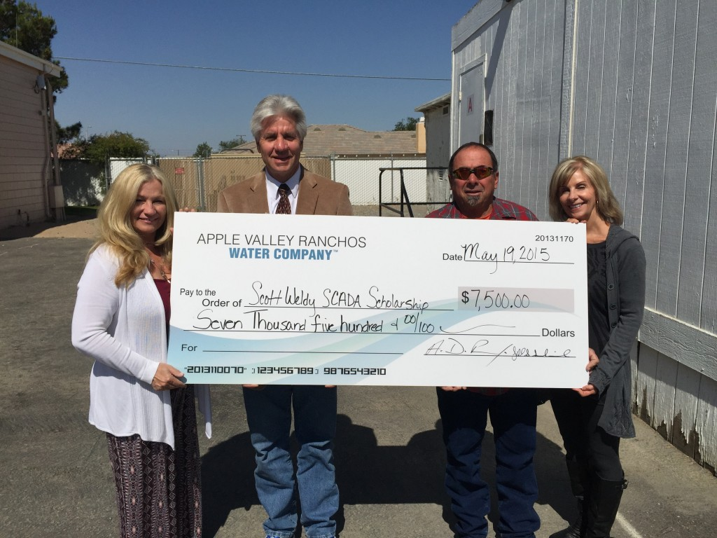 Left to Right: Terri Brown, SCADA Coordinator, Granite Hills High School, Tony Penna, Vice President and General Manager, Apple Valley Ranchos Water Co., Derick and Jill Sandwick, Owners, High Desert Underground