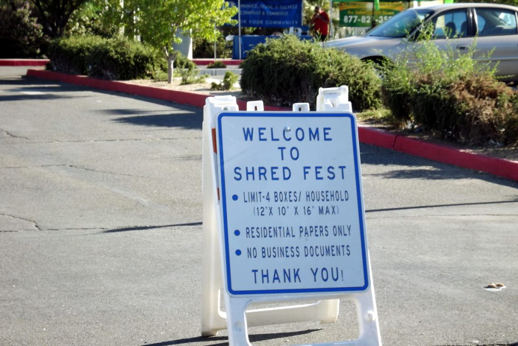 welcome-to-shredfest-sign